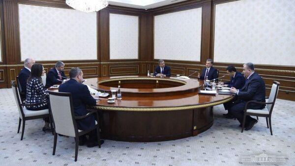 Президент Республики Узбекистан принял делегацию Американо-Узбекской торговой палаты - Sputnik Ўзбекистон