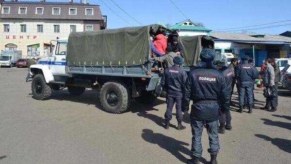 Полицейские выявили в Уссурийске факт фиктивной постановки на миграционный учет иностранных граждан - Sputnik Ўзбекистон