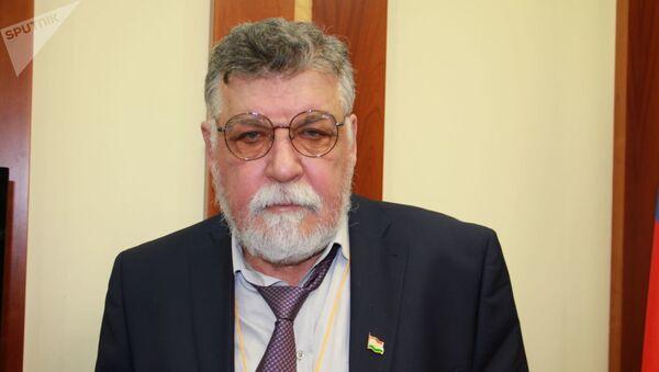 Поэт и общественный деятель Алексей Авганов - Sputnik Узбекистан