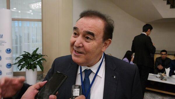 Худоберди Холикназар директор центра стратегических исследований при президенте Республики Таджикистан - Sputnik Ўзбекистон