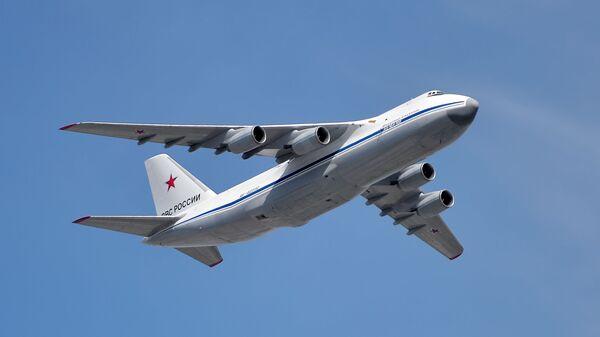 Самолёт Ан 124-100 - Sputnik Ўзбекистон