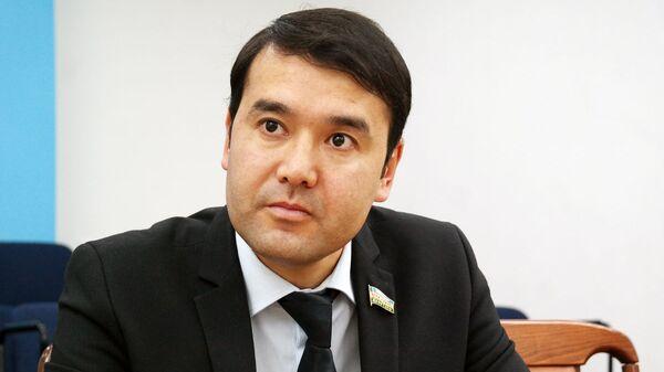 Rasul Kusherbayev, deputat - Sputnik Oʻzbekiston