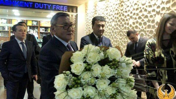 Prezident AIBA Gafur Raximov pribыl v Uzbekistan - Sputnik Oʻzbekiston