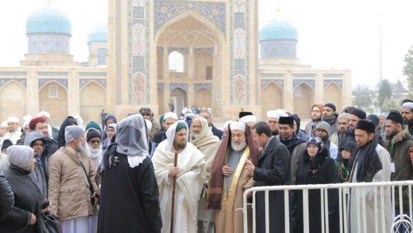 Суфии братства Накшбандия со всего мира приехали в Узбекистан - Sputnik Ўзбекистон