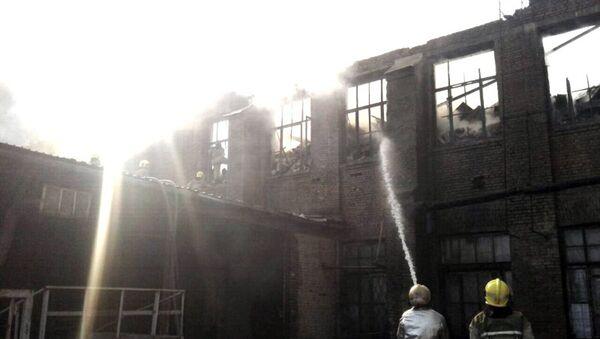 Пожар в Юнусобадском районе Ташкента - Sputnik Ўзбекистон