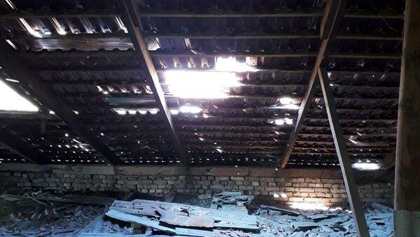 Протекающая кровля в одном из домов в Фергане - Sputnik Ўзбекистон