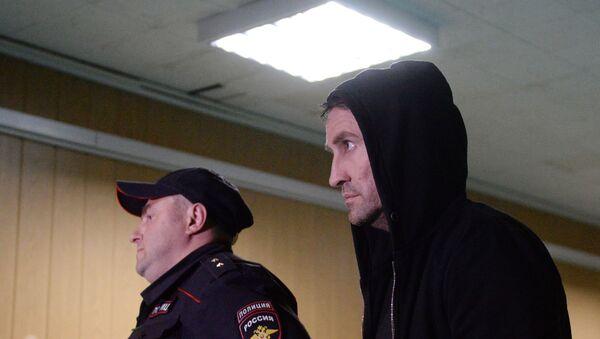 Рассмотрение ходатайства следствия об аресте задержанных за массовую драку на Хованском кладбище - Sputnik Ўзбекистон